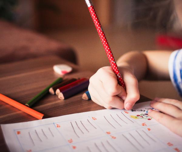 Benefícios do aprendizado de uma segunda língua na infância